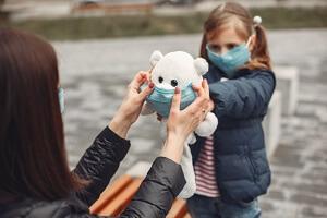 در دوران بحران کرونا چطور با کودکانمان رفتار کنیم؟