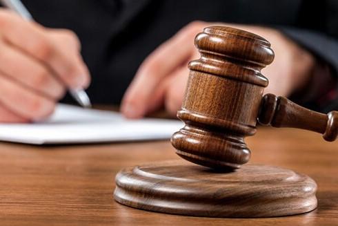 ازدواج آقای فوتبالیست با دختری که او را باردار کرده بود در دادگاه!!