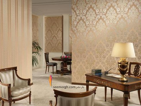 ست کردن کاغذ دیوای با مبلمان شزلون قهوه ای طلایی - عکس شماره 8