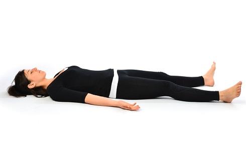 4. حرکت جسد ( ساواسانا Savasana ) Corpse Pose