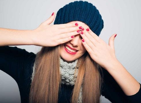 8. علایم یائسگی: تغییرات مو و ناخن