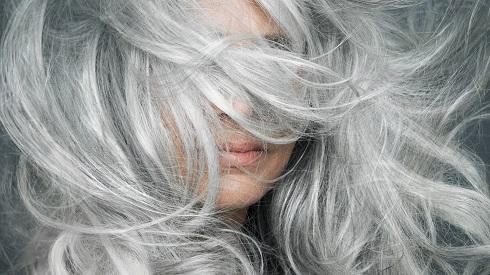 تاثیر کمبود ویتامین B12 بر سفید شدن مو