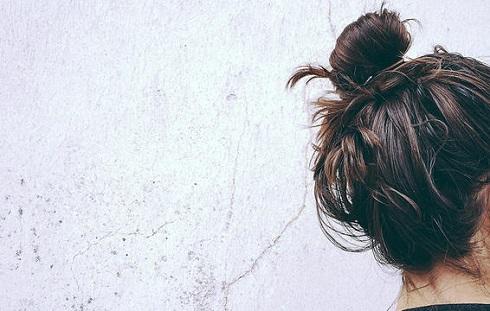 8. و بله ممکن است موهای شما چرب به نظر برسند