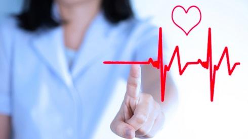 5.علت تنگی نفس بعد از غذا خوردن: آریتمی قلبی Arrhythmia