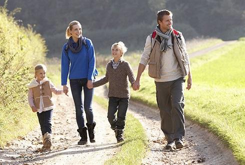 احساس شادی با پیاده روی منظم روزانه