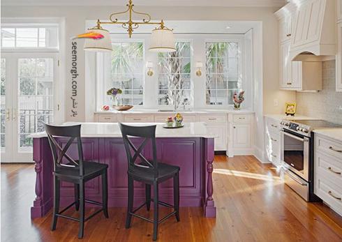 کابینت جزیره ای به رنگ بنفش برای آشپزخانه سفید