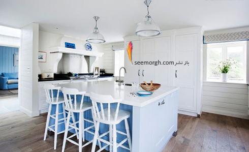 رنگ دریا برای کابینت جزیره ای در آشپزخانه سفید