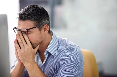 تاثیر استرس بر سفید شدن مو