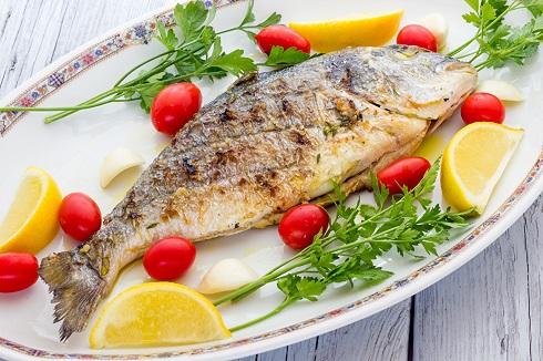 1.تغذیه ماردان شیرده با ماهی