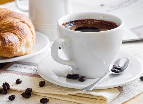 مقداری قهوه بنوشید
