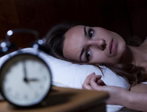 بی خوابی در شب دلیلش چیست