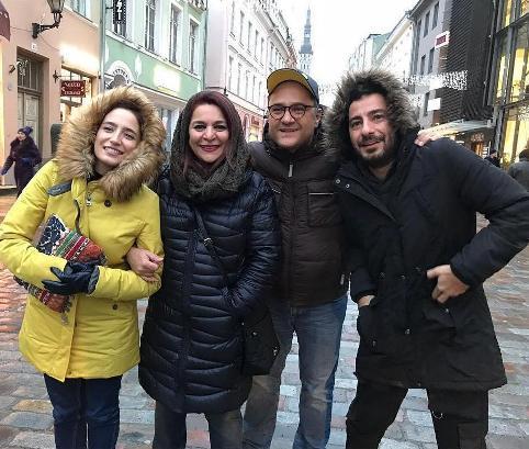 عکس یادگاری هنرمندان ایرانی در خیابان های استونی