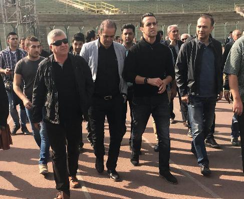 علی کریمی در مراسم تشییع پیکر مرحوم ابراهیم آشتیانی