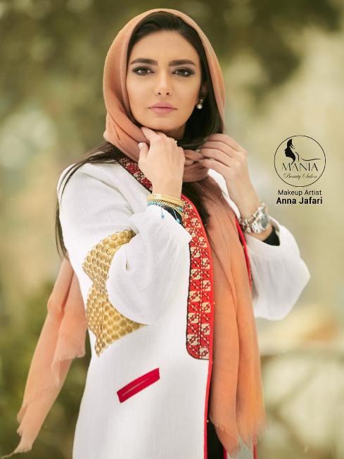 تبلیغ لیندا کیانی برای سالن زیبایی مانی آ