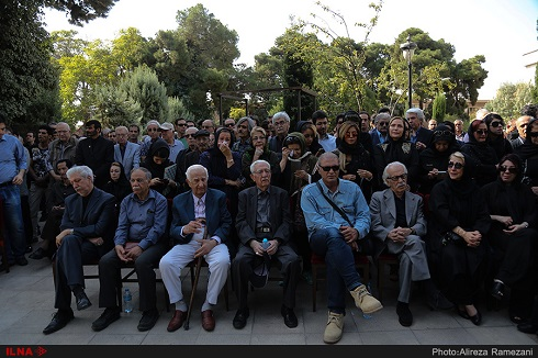 مراسم تشییع نادر گلچین: تصاویر برگزیده