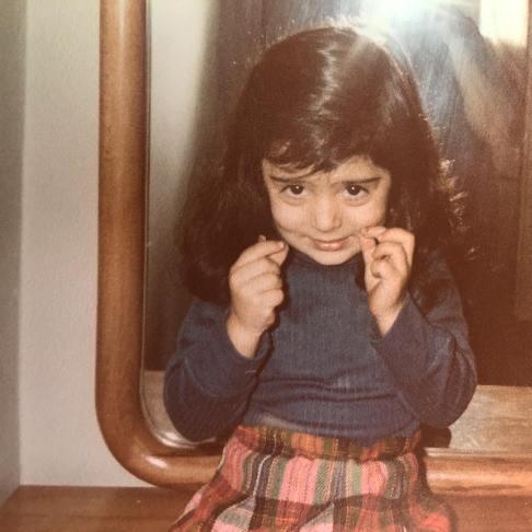 نگار فروزنده در کودکی