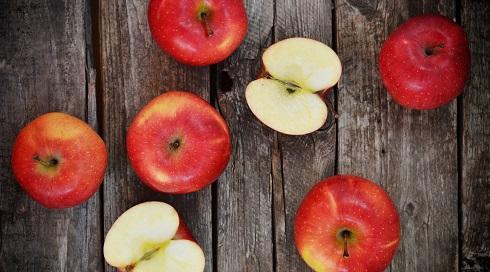 پلی فنل در میوه هایی به جز توت ها