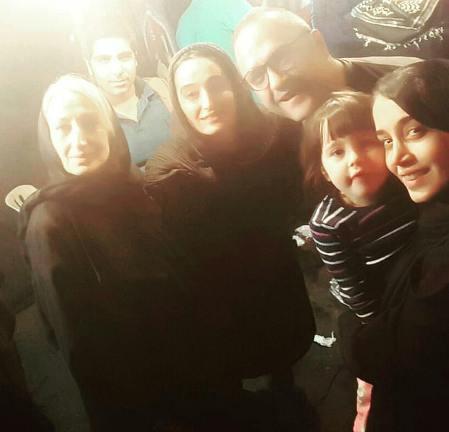 رامبد جوان در کنار خانواده همسرش