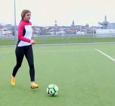 کشف حجاب و فوتبال بازي کردن شيوا اميني