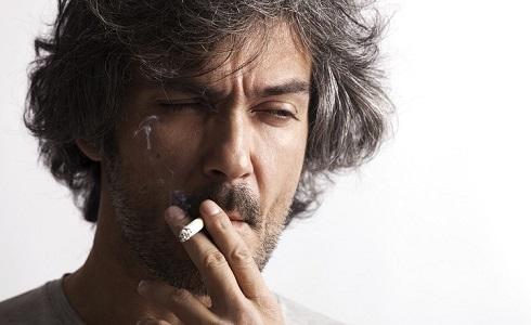 تاثیر سیگار کشیدن بر سفید شدن مو