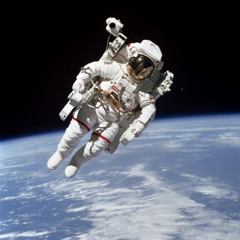 گردش بوریس مک کندلس در فضا