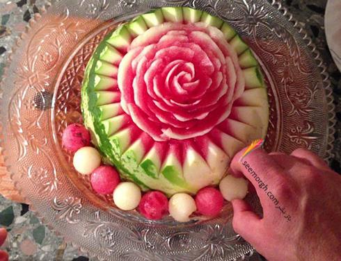 تزیین هندوانه شب یلدا عروس به شکل گل رز - مرحله شماره 10