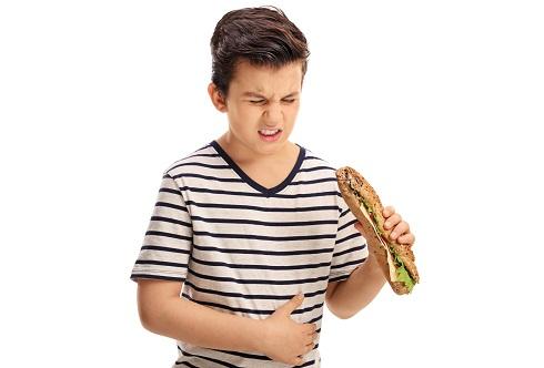 چه افرادی بیشتر در معرض خطر عوارض مسمومیت غذایی هستند