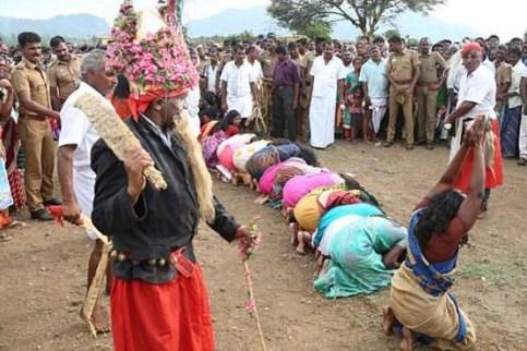 رسم کتک زدن زنان در هند