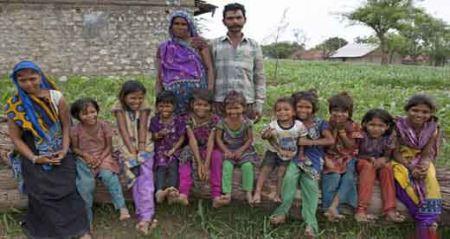 خانواده ای با 16 فرزند