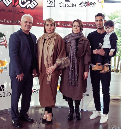 فرشاد پیوس و همسرش در کنار علی علیپور و همسرش