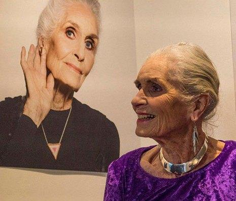 دافنه سلف مدل 89 ساله