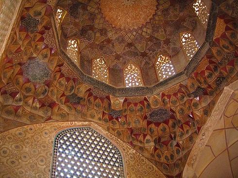 تزیینات داخلی مسجد گنجعلی خان کرمان