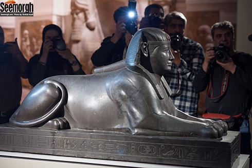 مجسمه ابوالهول از نمای جانبی در موزه لوور در تهران