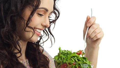 غذاهای مفید و مضر برای مو