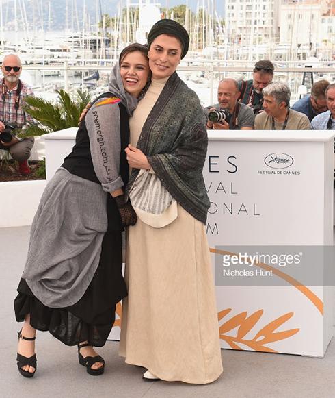 جشنواره کن 2018 Cannes، مدل لباس بهناز جعفری و مرضیه رضایی - عکس شماره 2