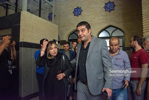 نیوشا ضیغمی و همسرش در مراسم یادبود ناصر ملک مطیعی 2