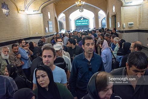 حضور پرشور مردم در مراسم یادبود ناصر ملک مطیعی 1