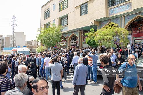 حضور پرشور مردم در مراسم یادبود ناصر ملک مطیعی 3
