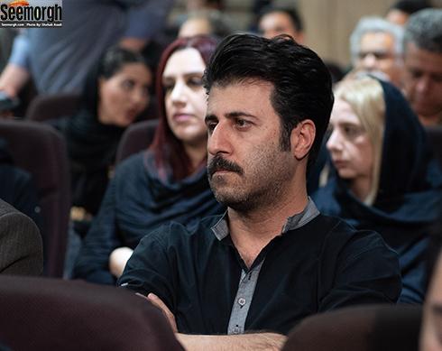 هومن حاجی عبداللهی  در مراسم یادبود ناصر چشم آذر
