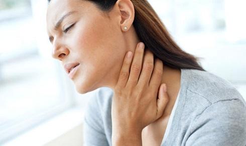 گلو درد طولانی مدت نشانه سرطان تیروئید است