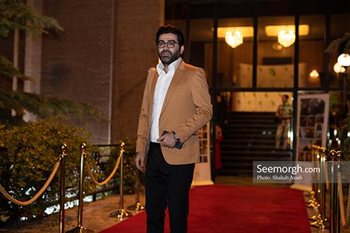 فرزاد حسنی در ضیافت افطاری خیریه مهر لیلا