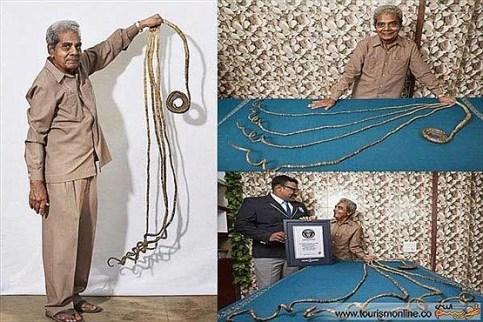ناخن های 2 متری مرد 78 ساله