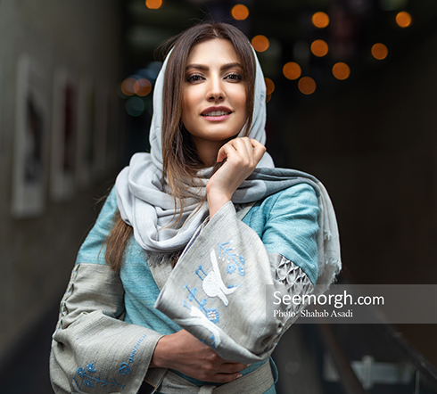 سمیرا حسینی در اکران مردمی خجالت نکش