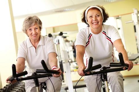 حرکات ورزشی که برای افراد بالای 50 سال مضر هستند
