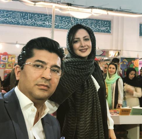 شیلا خداداد و همسرش دکتر فرزین در نمایشگاه کتاب+ عکس