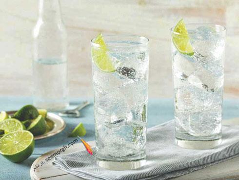 آب گاز دار مفید است یا مضر ؟ بدنتان را با آب گاز دار هیدراته کنید