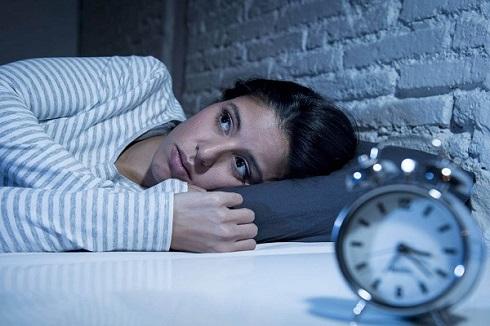 بیدار شدن,بیدار شدن مکرر شبانه چه دلیلی دارد؟
