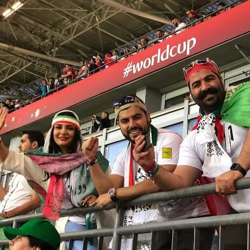 بهنام بانی و لیندا کیانی در ورزشگاه محل بازی ایران و اسپانیا