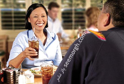 نوشابه خوردن,نوشابه,مرد و زن در رستوران