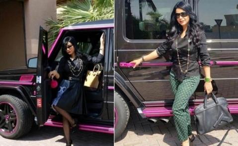 عکس مجری زن عرب با یکی از خودروهایش